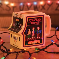 MUG STRANGER THINGS BORNE D ARCADE MUG 550 ML - Mugs au prix de 19,95 €